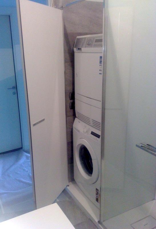 Box doccia mansarda idee creative di interni e mobili - Pareti doccia su misura ...