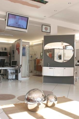 Mobili bagno box doccia arredo lavanderia show room for Arredo bagno seregno