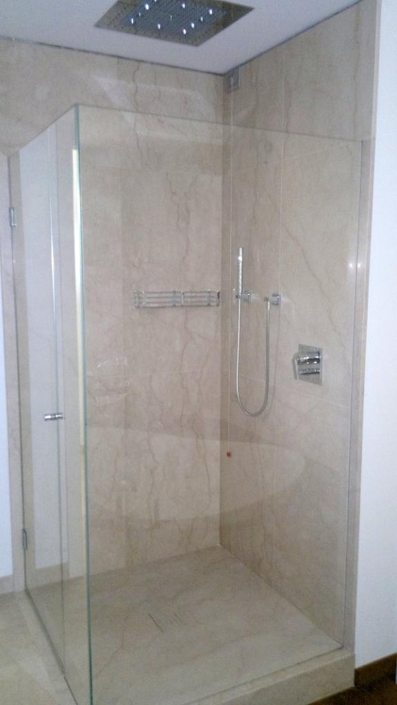 Box doccia senza telaio tutto su ispirazione design casa - Cabine doccia su misura ...